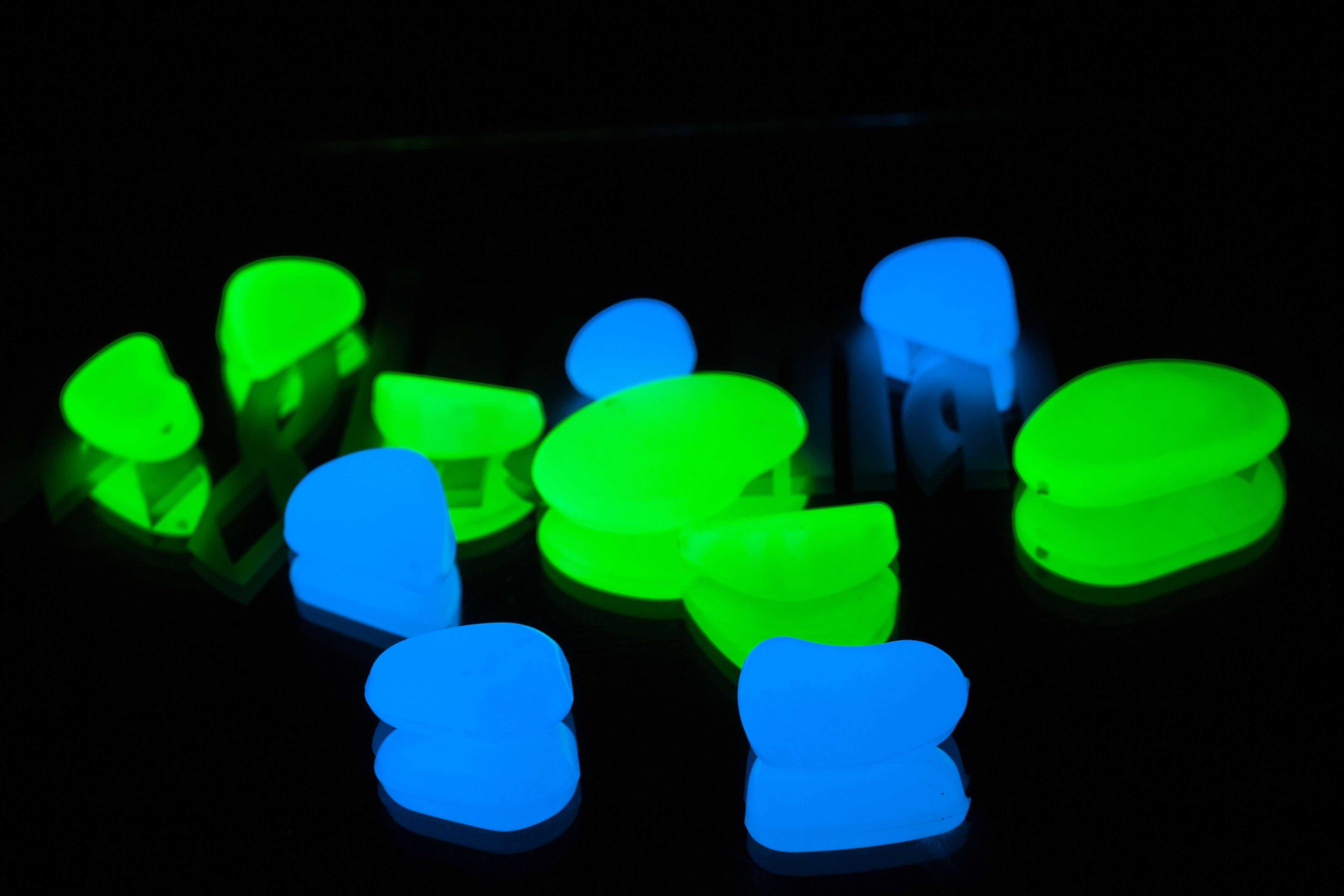 Phosphorescence et fluorescence : la différence.